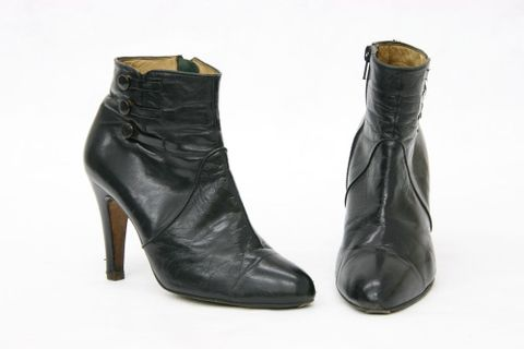 GH015097; Boots, woman's; 1973; leather; Menorca (image/jpeg)