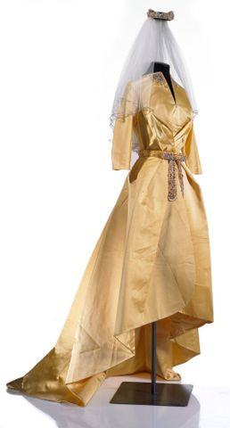 PC003661; Wedding Dress; 1961 ; view 1 (image/tiff)