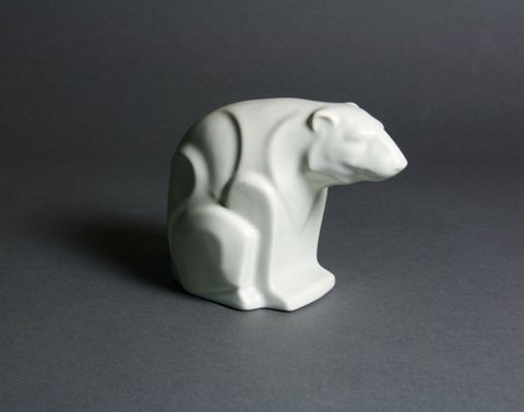 GH009072; Polar Bear; 1948 - 1957; Crown Lynn Potteries Ltd (image/jpeg)