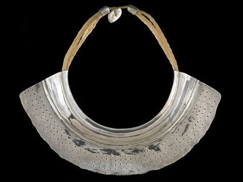 2008-0018-2; Big Silver Necklace; 1982; Freeman, Warwick (image/tiff)
