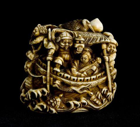 Netsuke, date unknown, by unknown maker, Japan. Ivory. Gift of Walker Wallis, 1945. FE002894; Te Papa