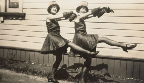 O.006577; Jazz Ballet - Isobel Hill and Hazel Lee-Johnson, Otahuhu; Circa 1930; Lee-Johnson, Eric ; without frame (image/jpeg)