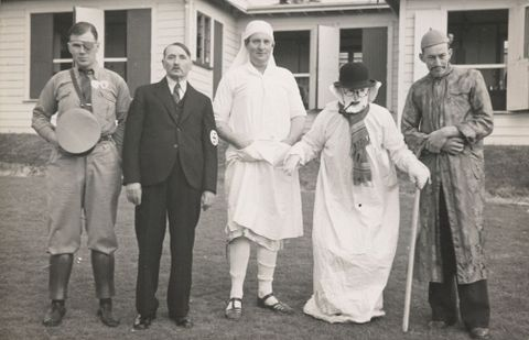 O.006614; Fancy dress parade, Pukeora Sanatorium; 15.11.1939; Lee-Johnson, Eric ; without frame (image/jpeg)