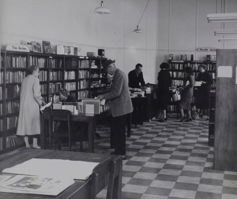 O.011281; Waihi Public Library; 1950 s; Lee-Johnson, Eric (image/tiff)