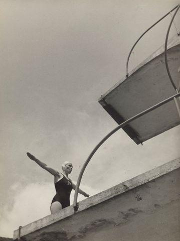 Curator Athol McCredie on Frank Hofmann's Diving Tower, Prague