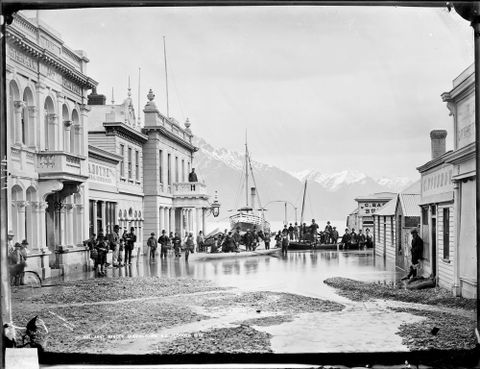 Burton Brothers; Queenstown during the flood of 1878, 1878 - C.014174 (image/tiff)