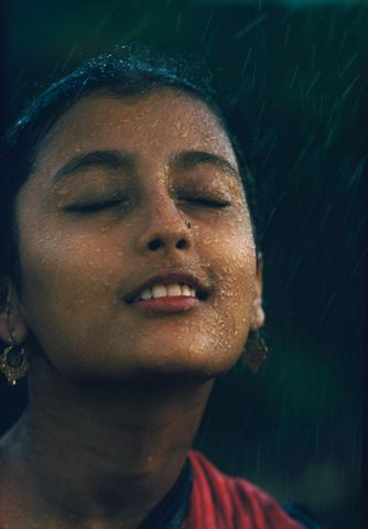 CT.035625; Monsoon girl [Aparna Sen]. From the 'Monsoon' series; 1960; Indian; Brake, Brian (image/tiff)