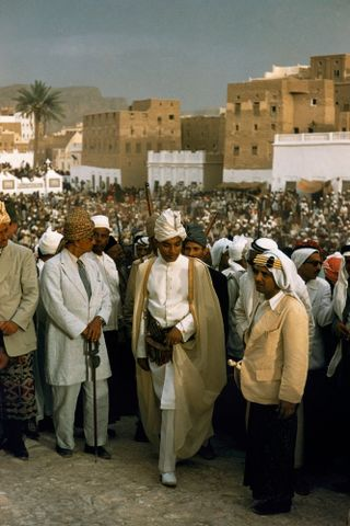 Procession of Arab sultans, Say'un Wadi, Hadhramaut, Yemen