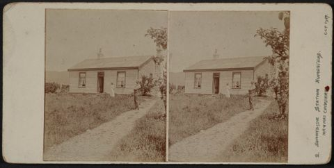 O.026655; Sunnyside Station Homestead. Mr and Mrs Cuthbert; 10.1917; Gilmour, J (image/tiff)