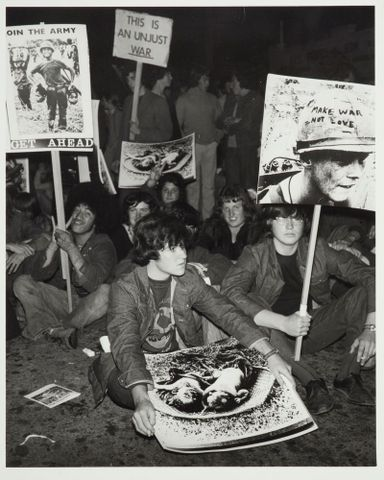 Anti Vietnam war demonstration, Early 1970s, Wellington. Ans Westra. Purchased 1993 with New Zealand Lottery Grants Board funds. Te Papa