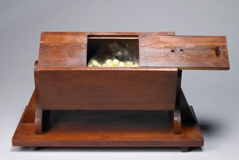 GH003641/1-5; Ballot Box; 1916; Unknown; view (image/tiff)