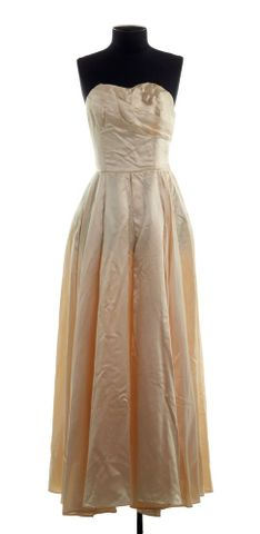 PC001735; Wedding Dress and Jacket; 1954 ; view (image/tiff)