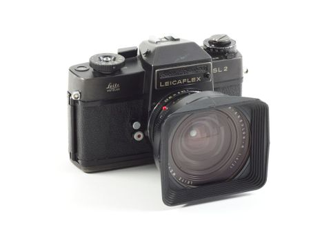 TMP009352; Leicaflex SL2 camera, with 21mm lens, owned by Brian Brake; 1974 (image/tiff)