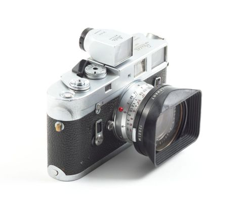 TMP009351; Leica M4 camera, with 21mm lens, owned by Brian Brake; 1967 (image/tiff)