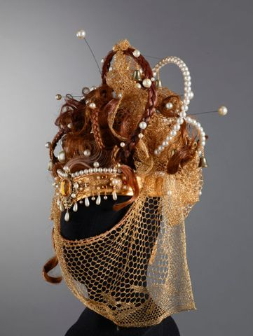 Headdress, mid 1970s, Wellington, by Frank Lund. Purchased 2003. © Te Papa. CC BY-NC-ND licence. Te Papa (GH014470)