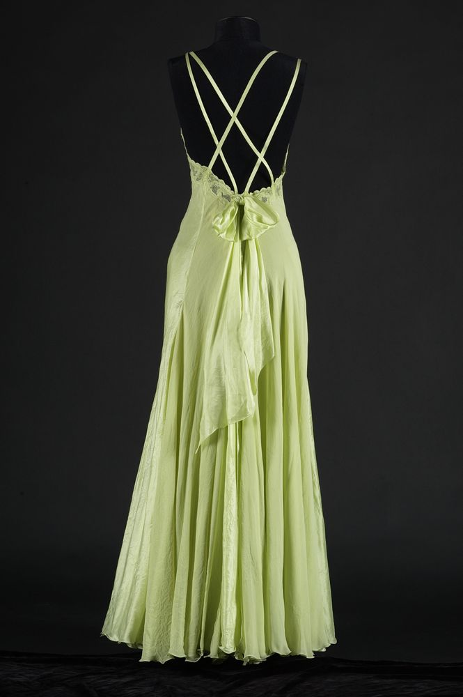 Evening dress | Collections Online - Museum of New Zealand Te Papa ...
