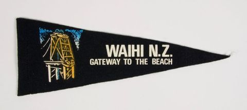 Souvenir pennant, 'Waihi, Gateway to the Beach'