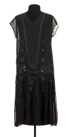 GH005702; Evening dress; mid to late 1920s; Unknown ; view 5 (image/tiff)