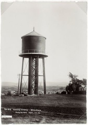 O.001560; Water Tower, Balclutha; 06.1912; Muir & Moodie (image/tiff)