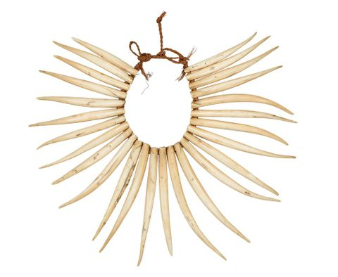 Wasekaseka (sperm whale tooth necklace)