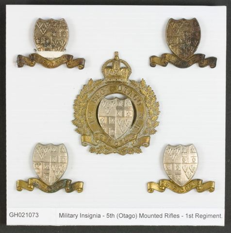 Military Insignia - 5th (Otago) Mounted Rifles - 1st Regiment., 1911-1912, maker unknown. Gift of Mr M Buist & Miss H Buist, 1963. CC BY-NC-ND licence. Te Papa (GH021073)