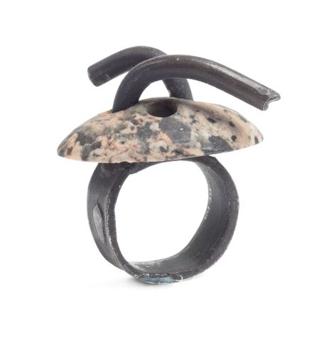 TMP-011714; Ring - silver with granite; 2009; Fritsch, Karl (image/tiff)