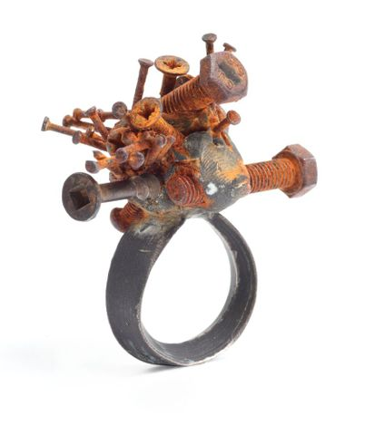 TMP-011716; Ring - silver with iron and brass; 2010; Fritsch, Karl; 3/4 view 3qv (image/tiff)