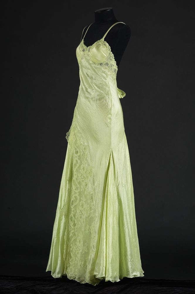Evening dress   Collections Online - Museum of New Zealand Te Papa ...