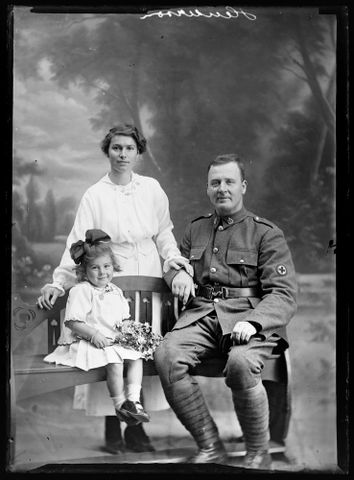 Group portrait of an unidentified soldier, an unidentified woman and an unidentified girl [inscribed Henderson]