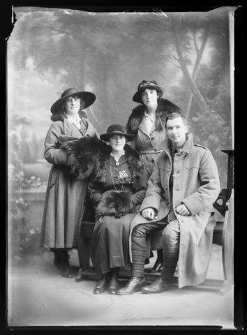 B.044944; Portrait of an unidentified soldier and three unidentified women [inscribed Brown]; 1914-1919; Berry & Co (image/tiff)