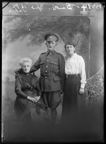 Portrait of an unidentified soldier and two unidentified women [inscribed Banks], 1916- 1917, Wellington. Berry & Co. Purchased 1998 with New Zealand Lottery Grants Board funds. Te Papa