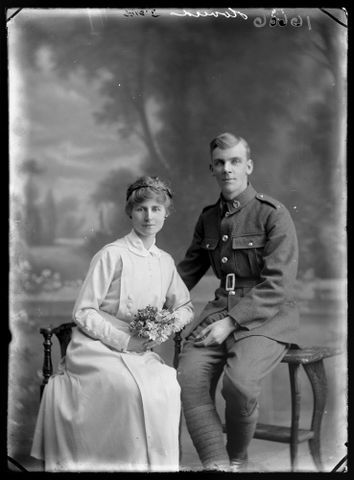 Portrait of James Arthur Hoverd and his bride Florence Lilian Davies