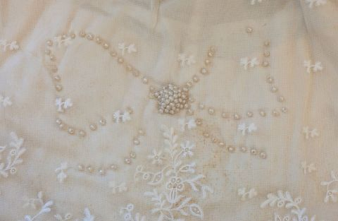 PC002677; Wedding dress; 1914; Unknown ; detail 2 (image/tiff)