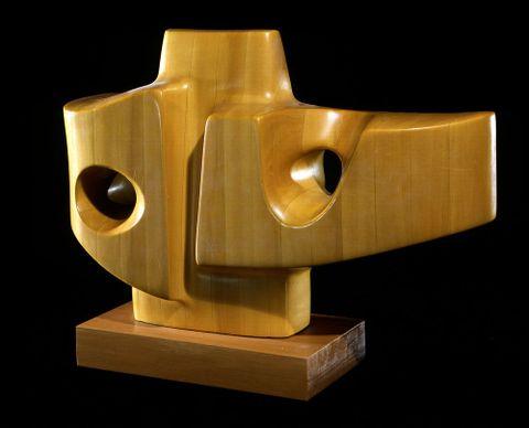Guy Ngan. Kahikatea carving no.5, 1976. Wood on wood base. Te Papa (1976-0030-2)