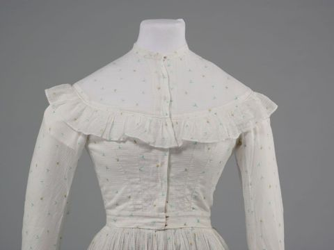GH016348/1-2; Wedding dress; 1872; Clark, Elizabeth; detail 2 (image/tiff)