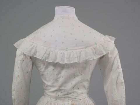GH016348/1-2; Wedding dress; 1872; Clark, Elizabeth; detail 3 (image/tiff)