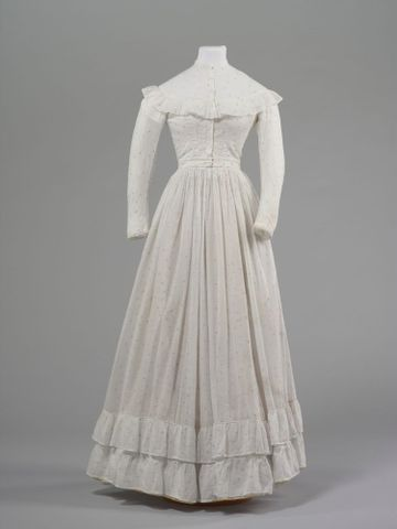 GH016348/1-2; Wedding dress; 1872; Clark, Elizabeth; view 1 (image/tiff)