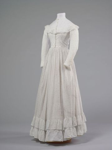 GH016348/1-2; Wedding dress; 1872; Clark, Elizabeth; view 2 (image/tiff)