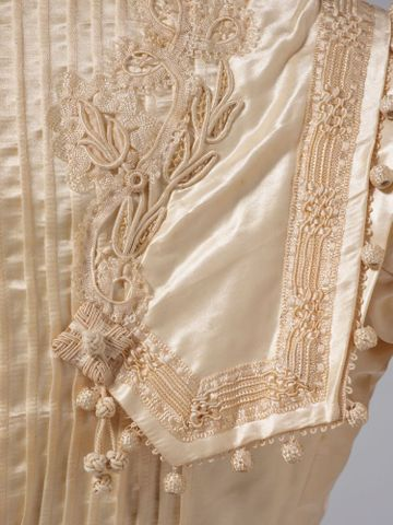 PC002586; Wedding Dress; circa 1890 ; detail 3 (image/tiff)