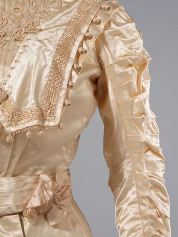 PC002586; Wedding Dress; circa 1890 ; detail 4 (image/tiff)