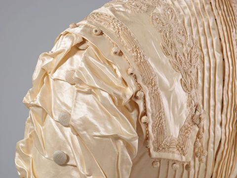 PC002586; Wedding Dress; circa 1890 ; detail 8 (image/tiff)