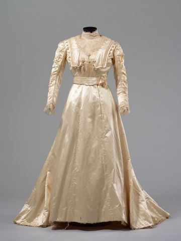 PC002586; Wedding Dress; circa 1890 ; view 2 (image/tiff)