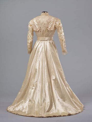 PC002586; Wedding Dress; circa 1890 ; view 5 (image/tiff)