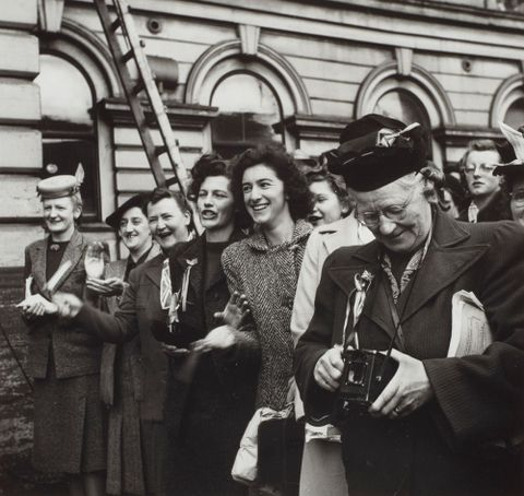 Official VE (Victory in Europe) celebrations at Government Buildings, Wellington, May 1945.  From the portfolio: PhotoForum - John Pascoe