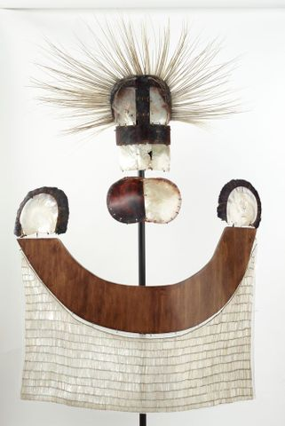 ahu parau (chest apron)