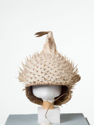 FE010482; Puffer fish helmet; 1900s; Kiribati; Unknown ; view 4 (image/tiff)