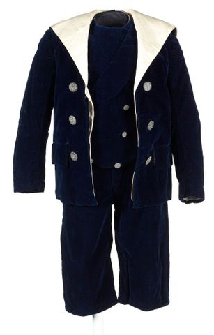 Boy's sailor suit, late 1800s. Maker unknown. Gift of Mrs Harkness, 1966. Te Papa