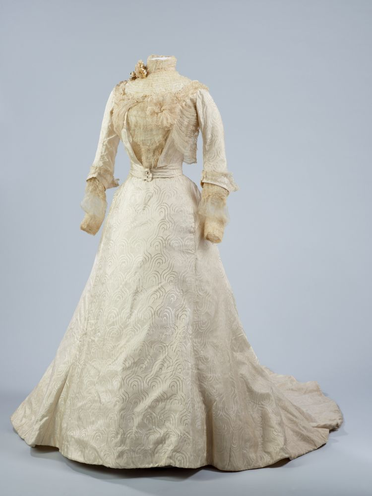 Wedding Dress | Collections Online - Museum of New Zealand Te Papa ...