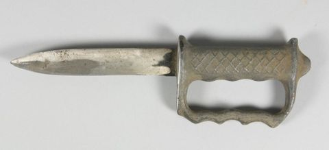 GH023334/1; Jungle knife; 1940s; Unknown (image/tiff)