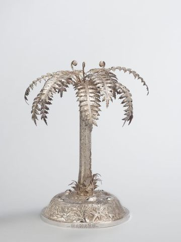 GH003567; Table centrepiece; about 1890; Grady, Frank ; view 1 (image/tiff)